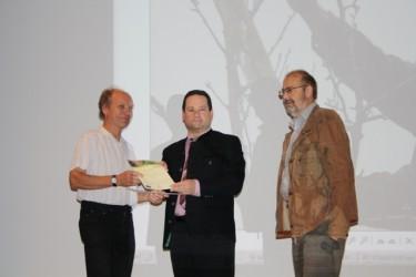 Verleihung der Preise durch Minister Bonde an die Gewinner des Fotowettbewerbs.