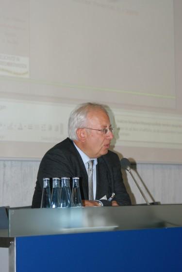 LIFE+ Erste Ergebnisse am 12.05.2010 in Bad Boll - <br />Herr Wolf moderiert die Veranstaltung