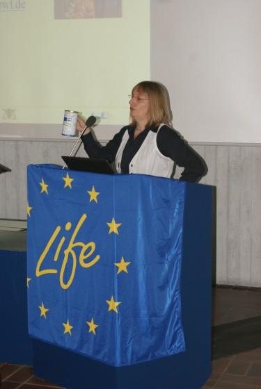 LIFE+ Erste Ergebnisse am 12.05.2010 in Bad Boll - <br />Monika Baumhof-Pregitzer informiert über Spenden und Zustiften